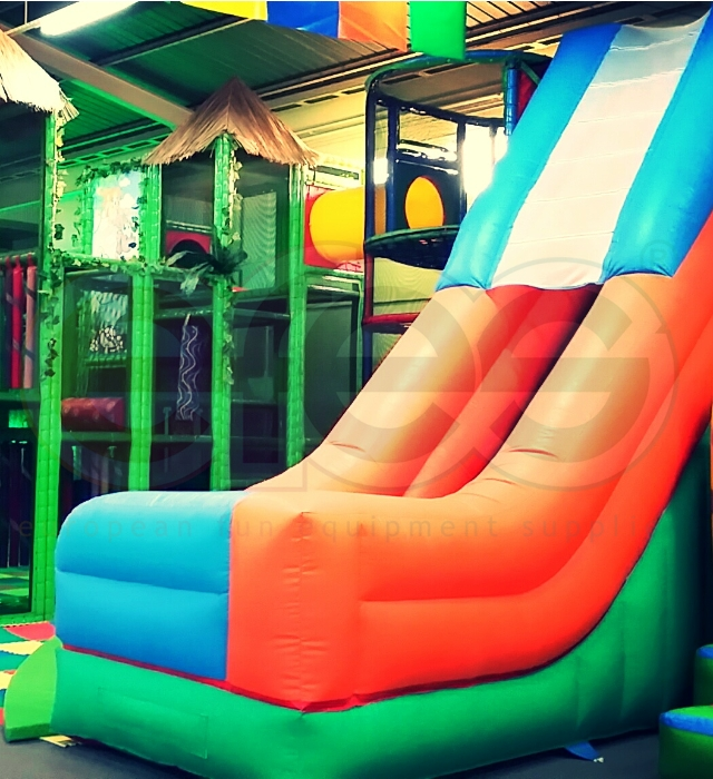 INFLATABLE PLAY